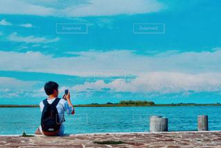 男性,風景,海,夏,カメラ,後ろ姿,ヨーロッパ,景色,男,写真撮影,旅行,イタリア,黄昏,ヴェネチア,ヨーロッパ旅行