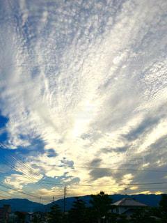 空,太陽,緑,雲,夕暮れ,山,日の入,秋空,夕焼