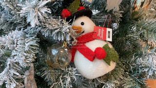 クリスマスツリーの雪だるまの写真・画像素材[2860117]
