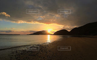 風景,空,秋,夕日,太陽,ビーチ,砂浜,曇,秋空,切ない,フォトジェニック,インスタ映え
