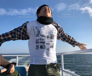男性,海,風,船旅,ひとりぼっちのタイタニック