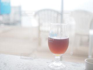 ビーチサイドでビールを。の写真・画像素材[1446754]
