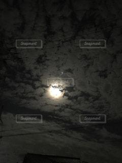 背景の夕日の写真・画像素材[1481242]