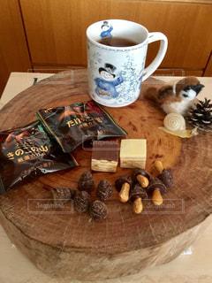 秋,松ぼっくり,お菓子,チョコレート,食欲,たけのこの里,きのこの山,秋の味覚,食欲の秋