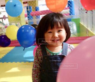 ひょっこり笑顔の写真・画像素材[1603058]