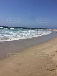 海の横にある砂浜のビーチの写真・画像素材[1452357]