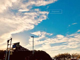 夕暮れ時の空の写真・画像素材[2018020]