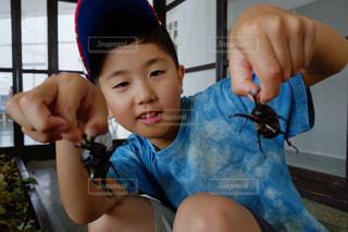 子ども,1人,夏,虫,昆虫,小学生,男の子,カブト虫