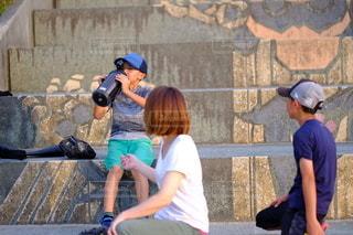 公園での水分補給の写真・画像素材[3407353]