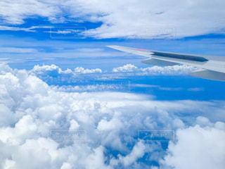 青い空に雲の写真・画像素材[1455084]