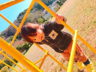 男性,子ども,公園,屋外,かわいい,男,人物,人,遊び,男の子,息子,1歳
