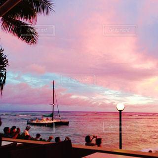 空,ピンク,雲,夕焼け,夕暮れ,海岸,ハワイ,ホノルル,桃色