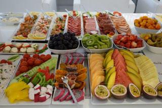朝食,カラフル,綺麗,ヨーロッパ,テーブル,フルーツ,果物,野菜,旅行,ハム,料理,ドイツ,海外旅行,シーフード,フランクフルト,食欲,バイキング,フォトジェニック