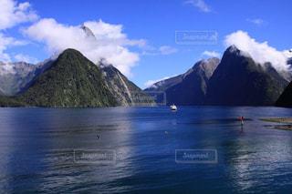 ニュージーランドの美しいミルフォードサウンドの景色の写真・画像素材[1780918]