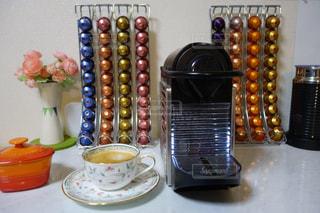 ネスプレッソコーヒーで至福なモーニングタイムの写真・画像素材[1855127]