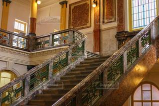 クラシカルでお洒落な名古屋市市政資料館の階段の写真・画像素材[2151302]
