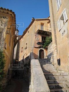エズの石造りの美しい建物と階段の写真・画像素材[2170851]