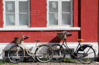 デンマークのお洒落な外壁と自転車風景の写真・画像素材[2231245]