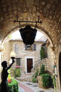 フランスエズのおしゃれな石造りの壁の写真・画像素材[2234959]