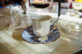 光の美しいお洒落なカフェの写真・画像素材[2253879]