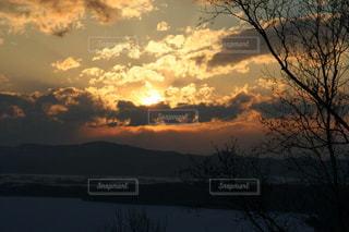 網走の幻想的な夕焼けの写真・画像素材[2414534]