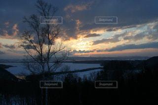 網走の幻想的な夕焼けの写真・画像素材[2858583]