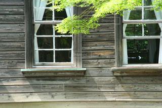 風情ある木造の建物の写真・画像素材[2880596]