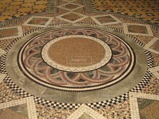 チェスター大聖堂の美しい床模様の写真・画像素材[3106589]