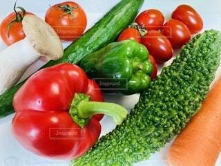 フレッシュな夏野菜で健康第一の写真・画像素材[3678046]