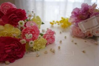 生花とブリザードフラワーの嬉しいギフトの写真・画像素材[4207477]