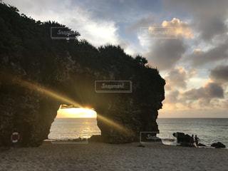 夕日を眺めての写真・画像素材[1459001]