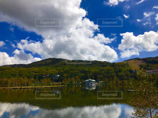 空,雲,水面,反射,鏡,旅行,秋空,湖畔,白樺湖,インスタ映え