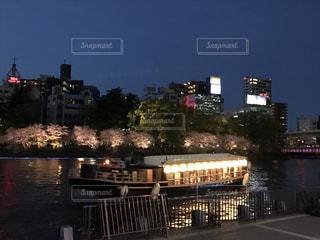 桜と川の写真・画像素材[1682512]