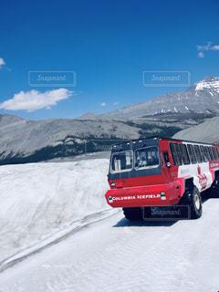 風景,乗り物,雪,赤,山,旅行,バス,カナダ,氷河,日中