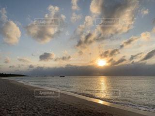 海,空,太陽,ビーチ,雲,夕暮れ,水面,海岸,光