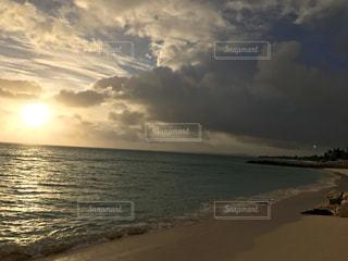 自然,海,空,屋外,太陽,ビーチ,雲,砂浜,水面,沖縄,光,旅行,くもり