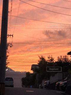 空,雲,夕暮れ,電線,団地,秋空,あかい
