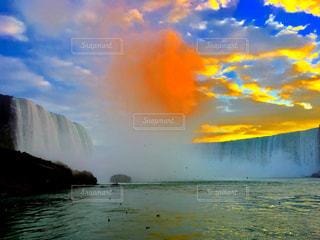水の大きな体の写真・画像素材[1481560]