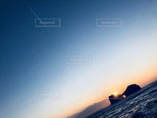 風景,海,空,秋,夕日,雲,飛行機雲,和歌山,日の入,秋空,円月島