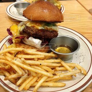 食べ物,秋,食事,ハンバーガー,チーズ,サクサク,フライドポテト,食,ポテト,big,食欲の秋,アメリカンバーガー,jsburger,5ハニーチーズバーガー,ビッグハンバーガー,プライドポテト,細切りポテト