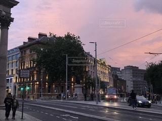 空,建物,秋,夜景,夕焼け,都会,道,通り,秋空