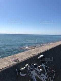 海とロードバイクとサングラスの写真・画像素材[1514273]