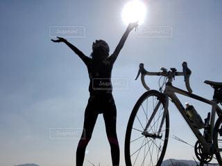 自撮り,自転車,朝日,未来,サイクリング,夢,ロードバイク,秋空,ポジティブ,可能性,インスタ映え,ロードバイク女子