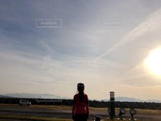 空,屋外,朝日,女,未来,サイクリング,夢,ロードバイク,ポジティブ,可能性,ロードバイク女子