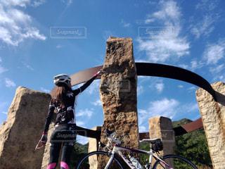 空,自転車,屋外,女,人,未来,サイクリング,夢,ロードバイク,ポジティブ,可能性,インスタ映え,ロードバイク女子