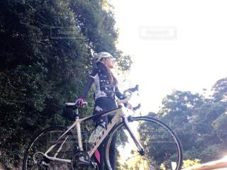 自転車,屋外,女,樹木,人,未来,サイクリング,夢,ポジティブ,ヒルクライム,可能性,インスタ映え,ロードバイク女子