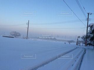 雪かきは大変だけど、やっぱり雪景色はきれい。の写真・画像素材[1689692]