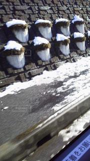 歩道と擁壁と積雪の写真・画像素材[2271022]