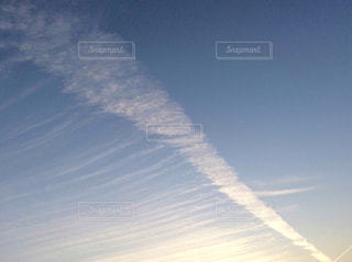 しましまの雲の写真・画像素材[2414618]