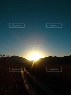 自然,風景,空,夕日,屋外,太陽,夕暮れ,山,トレッキング,高原,ハイキング,尾瀬
